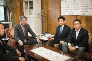 20170526-竹下自民国対委員長と会談